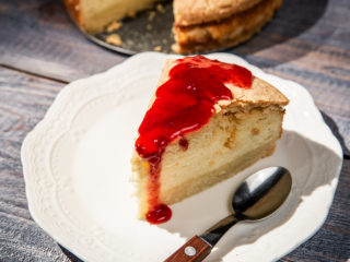 Cottage Cheese Cake with Strawberry Jam