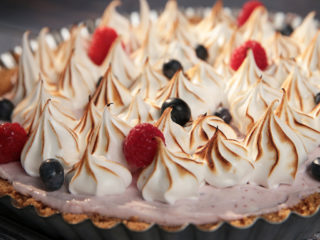 Meringue and Berry Cheesecake