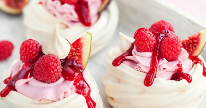 7 Meringue Desserts for the Sweetest of Weekends