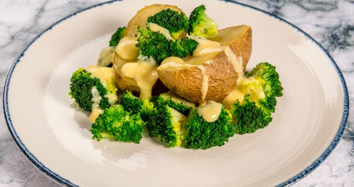 Potatoes and Broccoli with Cheese Sauce