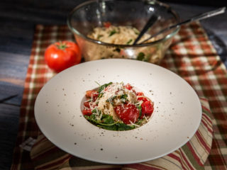 Tomato and Arugula Spaghetti Salad