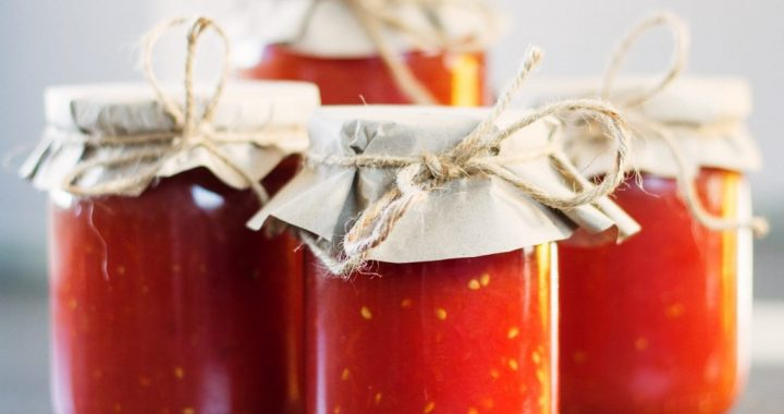 Homemade Tomato Sauce and How to Make it Taste Better