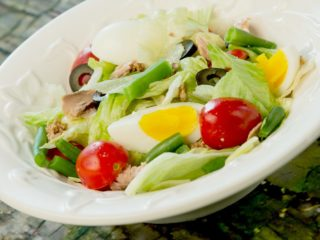 Salade Nicoise with Tuna and Green Beans