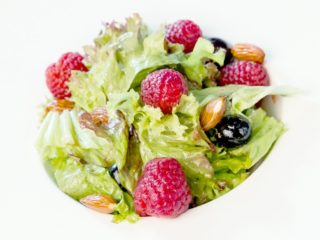 Almond, Berry and Lettuce Salad
