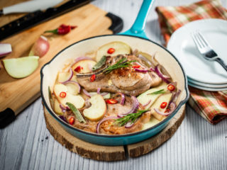 One Pan Pork Chops and Apples