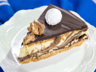 Peanut Chocolate Cheesecake with Meringues