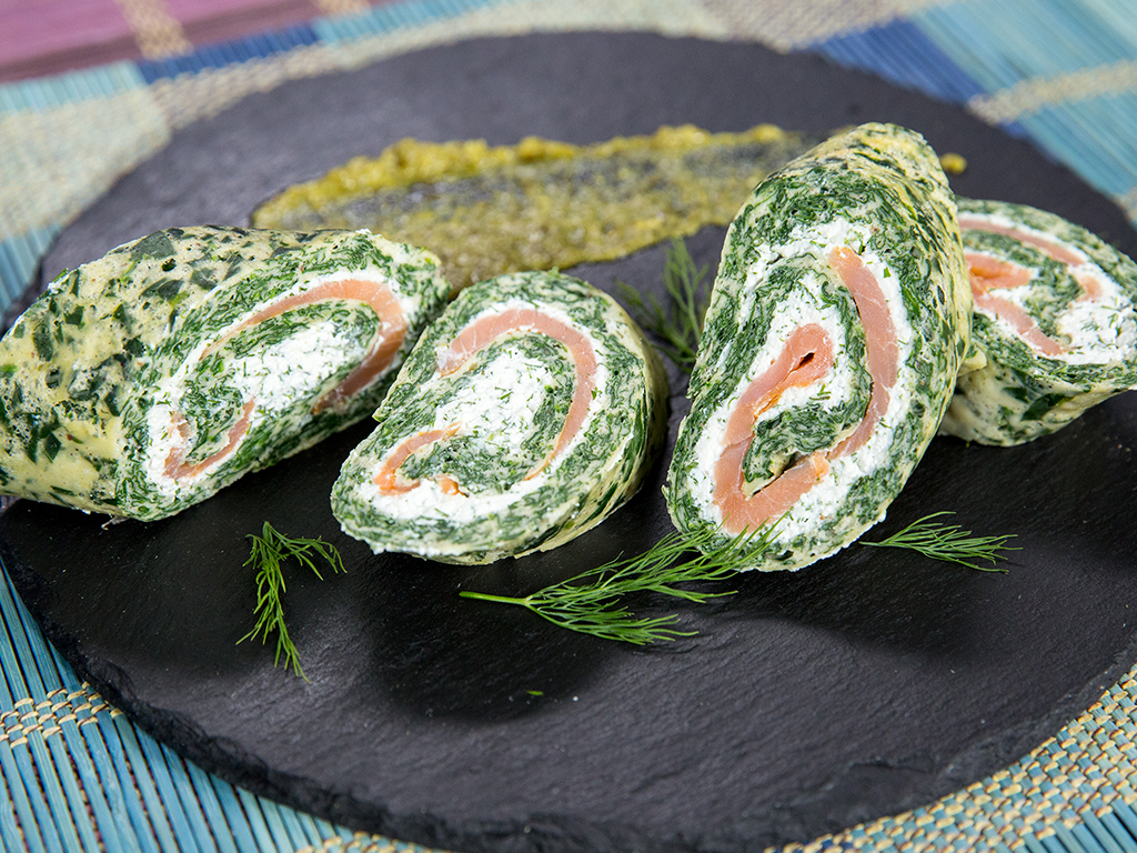 Cheesy Smoked Salmon Spinach Rolls