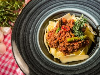 Tagliatelle with Asparagus and Bolognese Sauce -