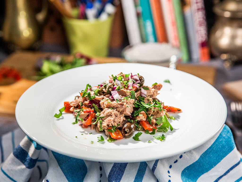 Mediterranean-Style Tuna Salad