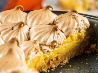 Meringue and Lemon Tart
