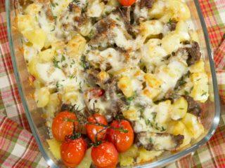 Cheesy Potato and Beef Casserole