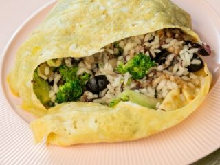 Skillet Rice and Red Cabbage Egg-Wrap