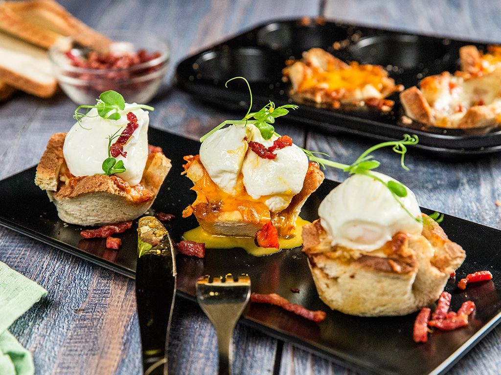 Cheesy Egg Toast Cups
