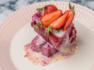 Berry Ice Cream Mini-Cake