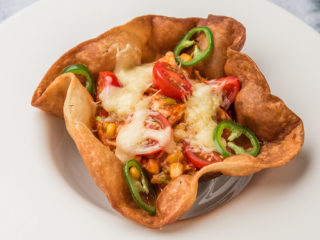 Tortilla Baskets with Salsa Chicken