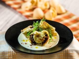 Cheesy Beef Stuffed Pasta Shells