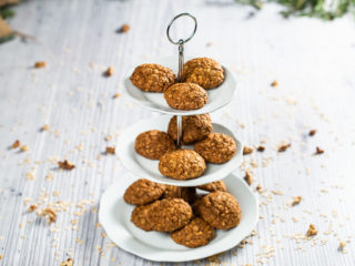 Oat Flake and Carrot Cookies
