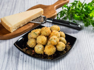 Walnut Cheese Balls