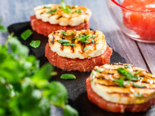 Grilled Halloumi with Grapefruit