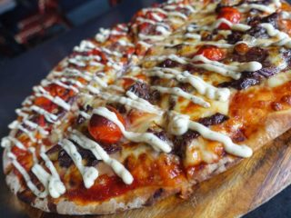 A Half Kangaroo, Half Emu Pizza Is A Unique and Delicious Reality In Australia -
