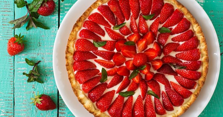 Strawberry Desserts to Share with Your Loved Ones