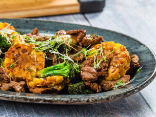 Stir-Fried Beef with Broccoli and Sweet Corn