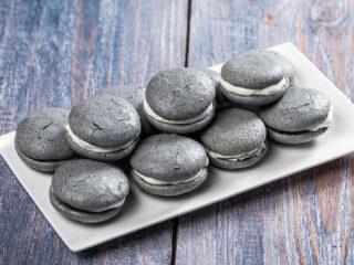 Silvery Macarons