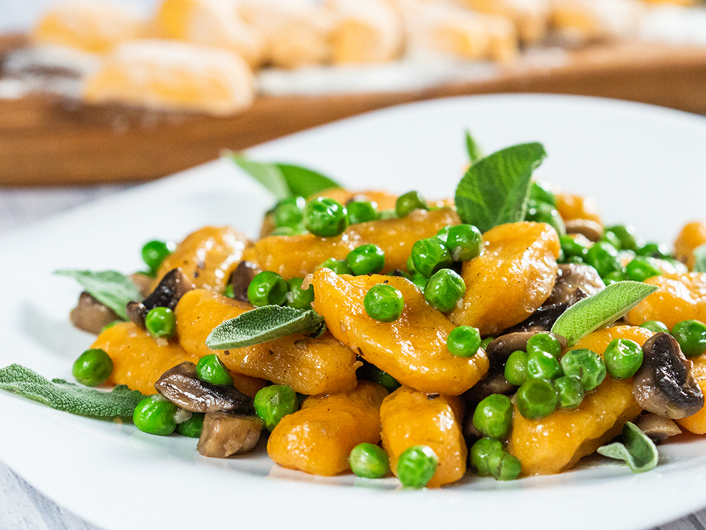 Sweet Potato Fingers with Mushrooms and Peas -