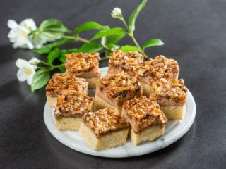 Walnut Pie Bars