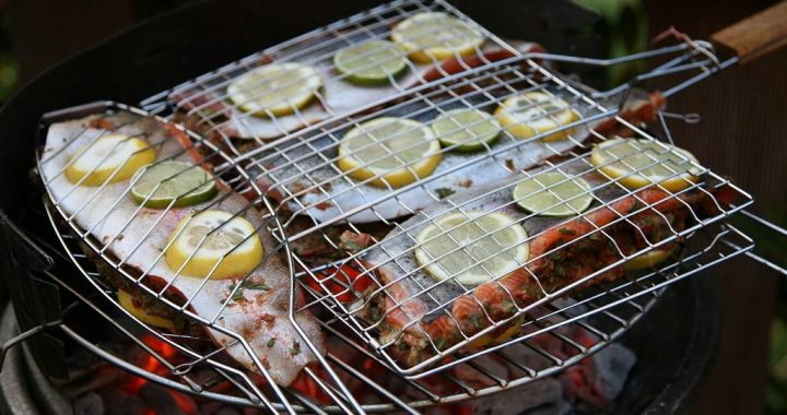 Grilling Fish: How to Keep It Together -