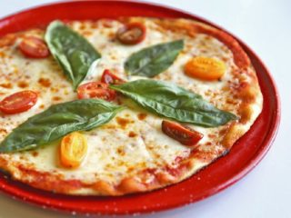 High Quality Pizzas For Under $3 Is A Reality At This New Aspiring Chain -