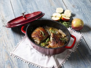 Braised Pork Belly with Apples and Onions