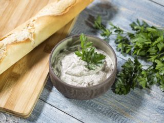 Mushroom and Garlic Mayo Spread