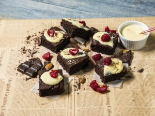 Chocolate Cake Bars with Vanilla Pudding Glaze