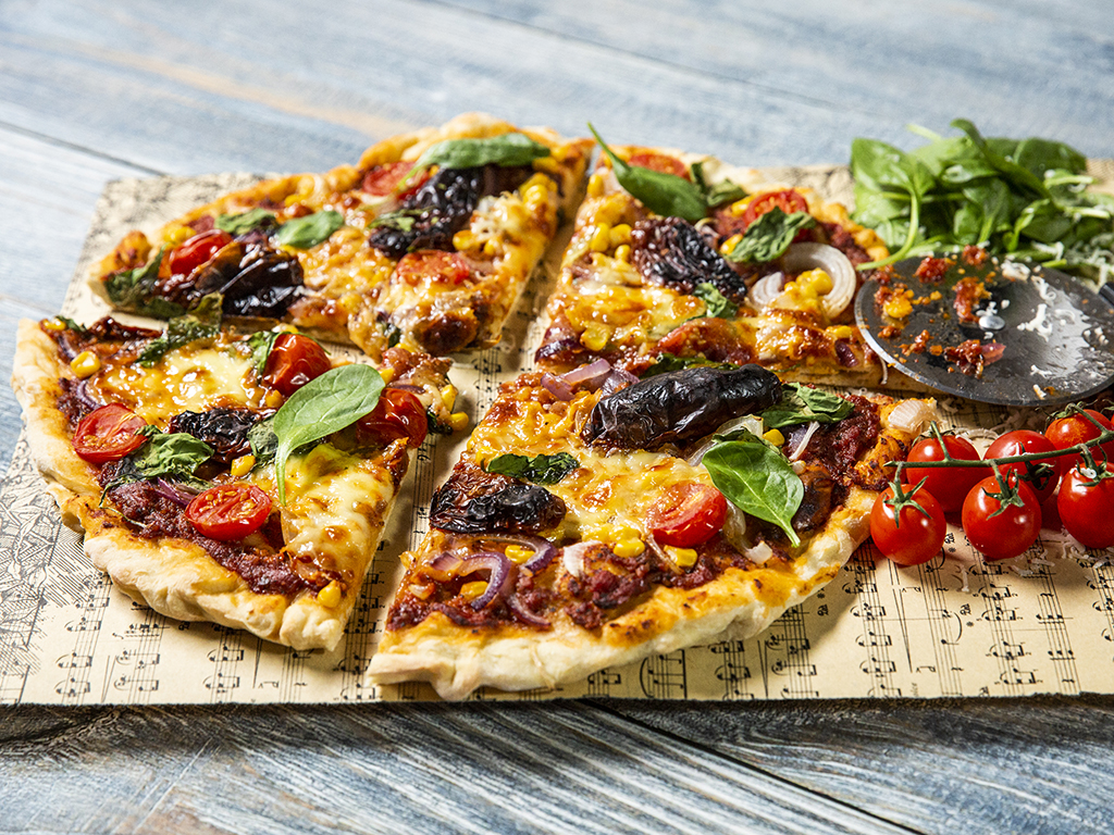 Tomato and Sweet Corn Pizza