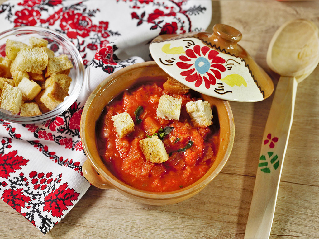 Bread and Tomato Soup with Croutons