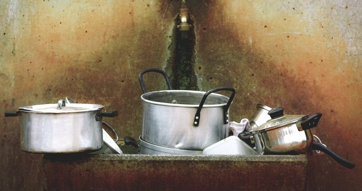 Cleaning cookware