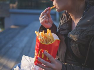 Eating fries