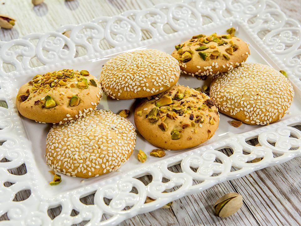 Pistachio-and-Sesame-Vanilla-Cookies-Barazek