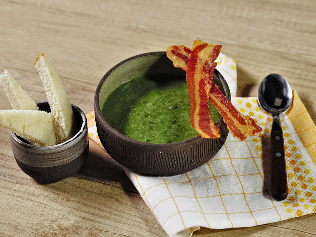 Spinach-Cream-Soup-with-Bacon