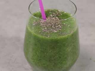 Green Smoothie with Almond Milk